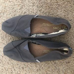 Gray Size 9 TOMS